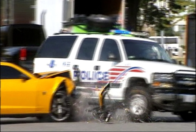 Cars Movie Soundtrack: Bumbleblee Bate Em Carro De Polícia No Set De Transformers 3