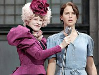 hunger-games-movie-image-elizabeth-banks-jennifer-lawrence-01