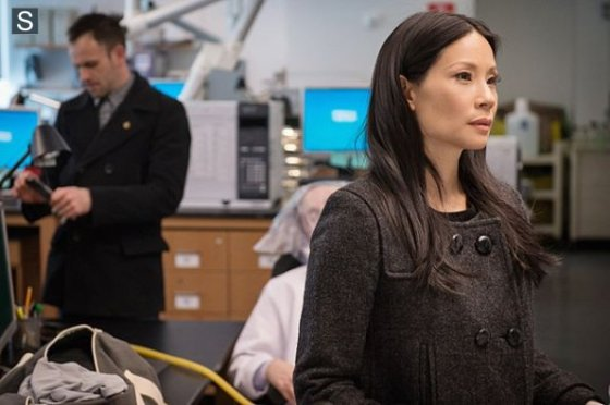 Elementary - Episode 2_18 - The Hound of the Cancer Cells - Promotional Photos (1)_595_slogo