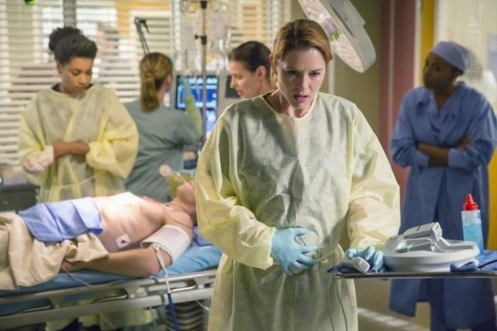 xapril-showered-with-bad-news-greys-anatomy-s11e9.jpg.pagespeed.ic.BGa9c8NFYPNk-CEBGduZ