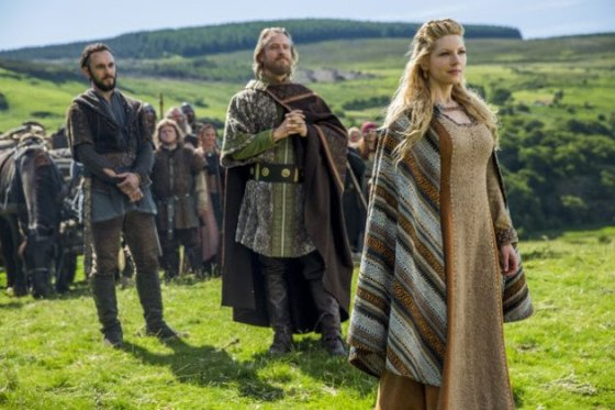 xlagertha-enjoys-the-view-vikings.jpg.pagespeed.ic.xiHcjcLYhNZI5z9qXuOw